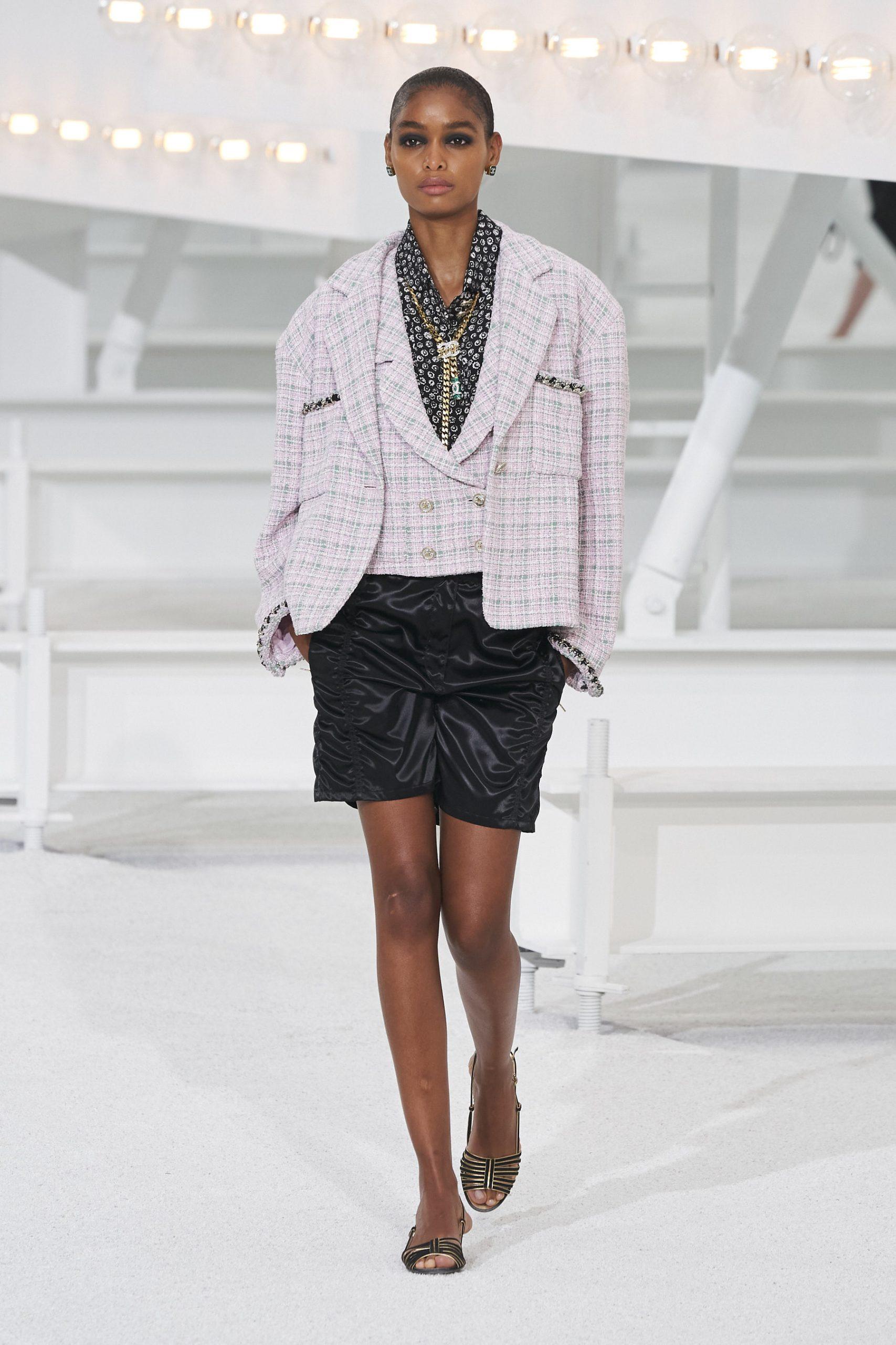 13. kép: Párizsi Divathét - Chanel - 2021 tavasz-nyár - ready to wear