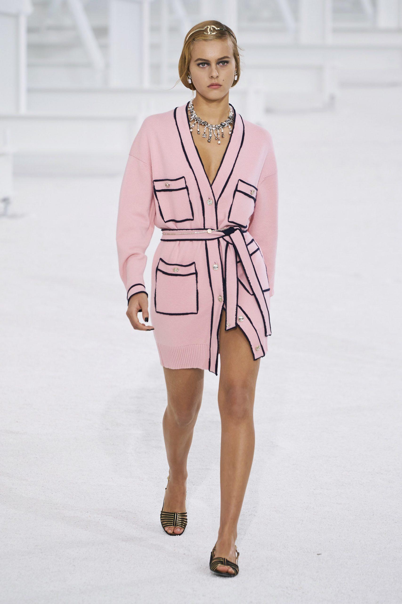 5. kép: Párizsi Divathét - Chanel - 2021 tavasz-nyár - ready to wear
