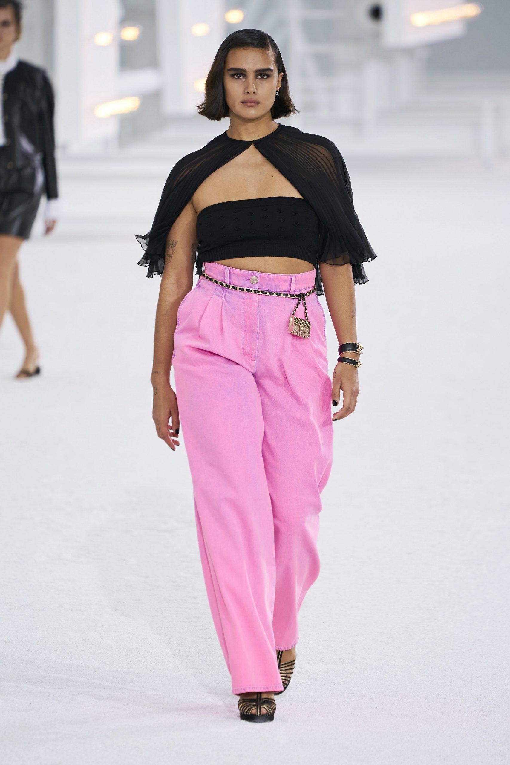 9. kép: Párizsi Divathét - Chanel - 2021 tavasz-nyár - ready to wear