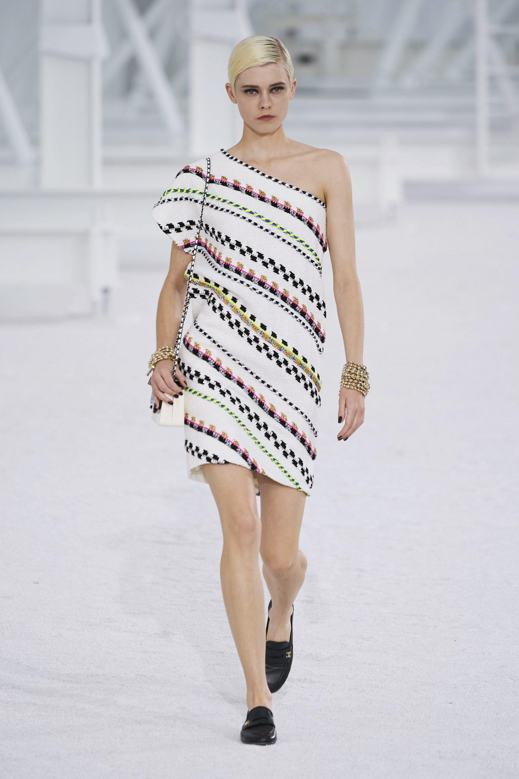 8. kép: Párizsi Divathét - Chanel - 2021 tavasz-nyár - ready to wear