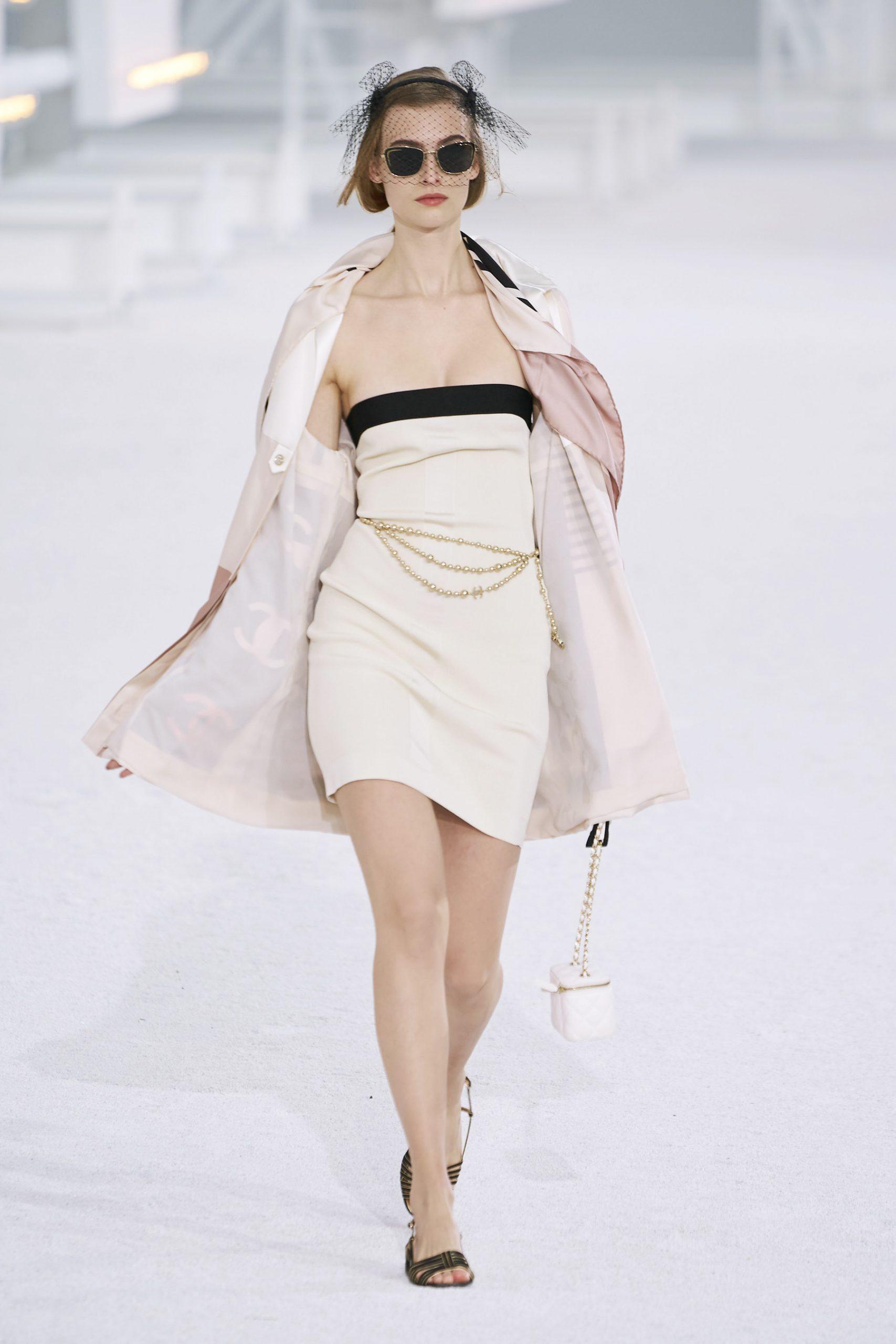 16. kép: Párizsi Divathét - Chanel - 2021 tavasz-nyár - ready to wear