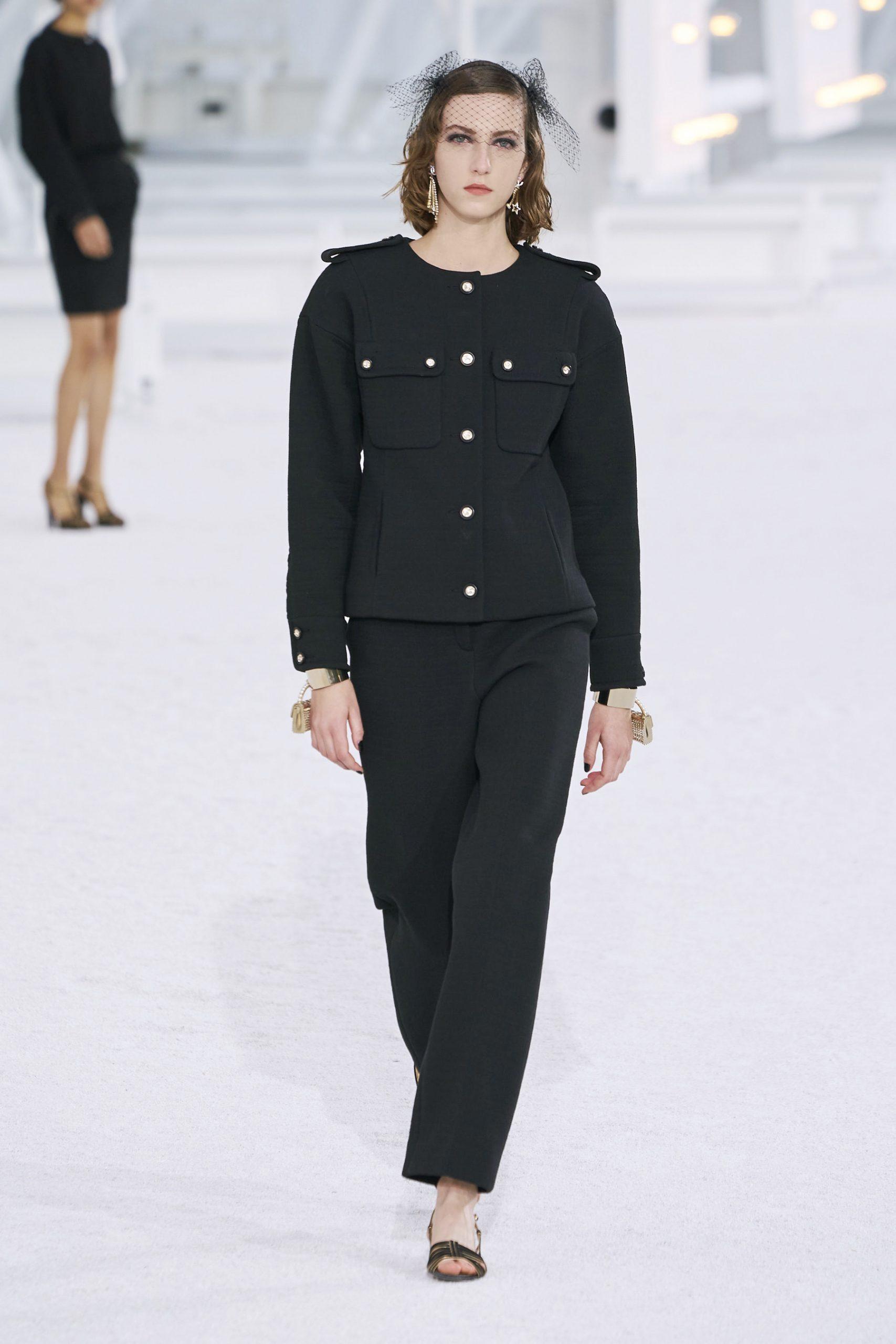 15. kép: Párizsi Divathét - Chanel - 2021 tavasz-nyár - ready to wear