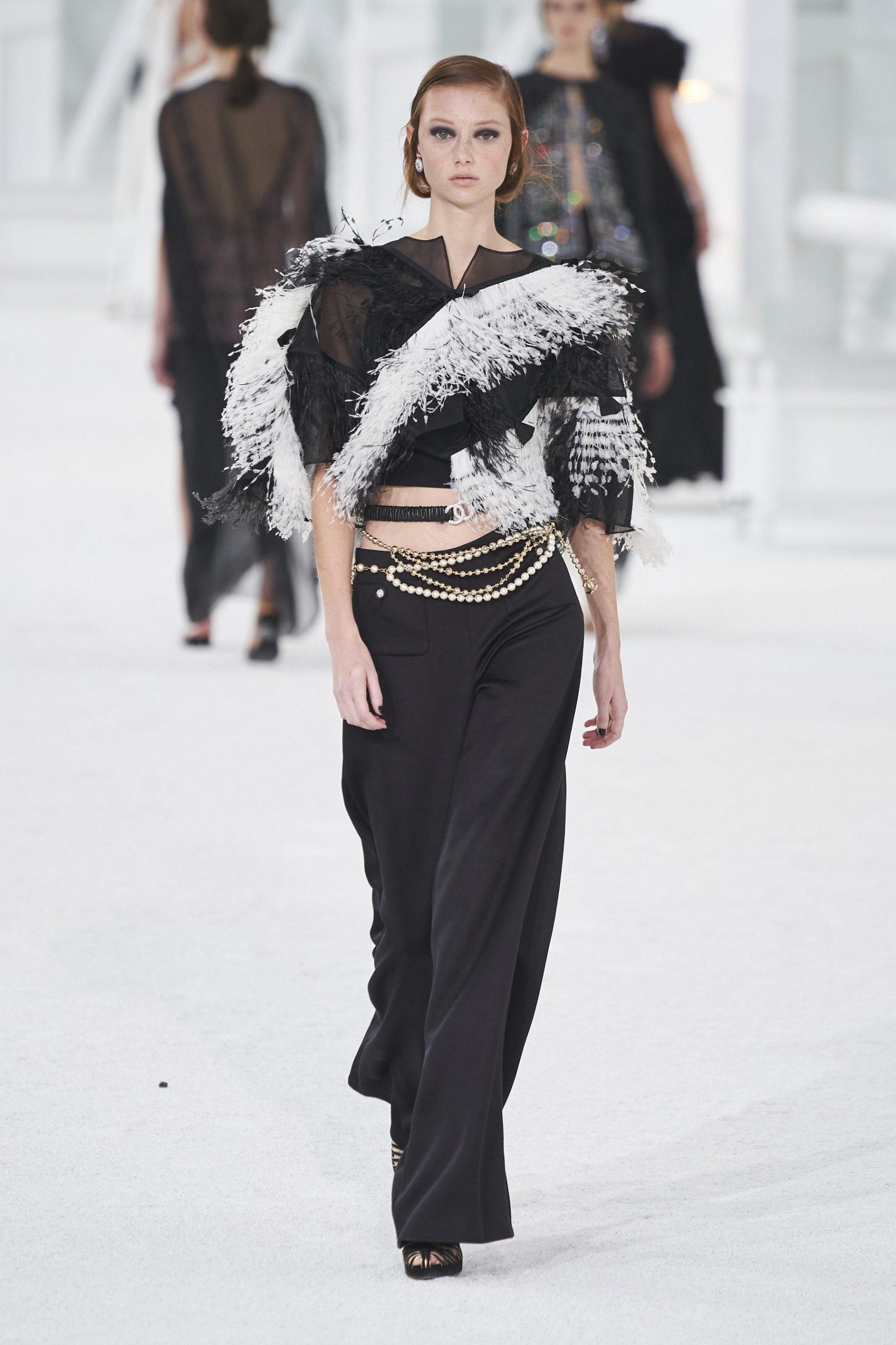 14. kép: Párizsi Divathét - Chanel - 2021 tavasz-nyár - ready to wear