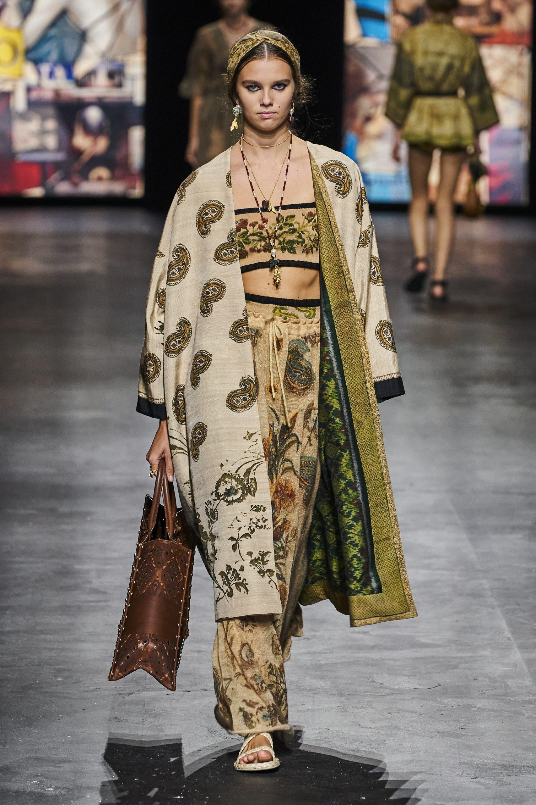 6. kép: Párizsi divathét - Christian Dior - 2021 tavasz-nyár - ready to wear