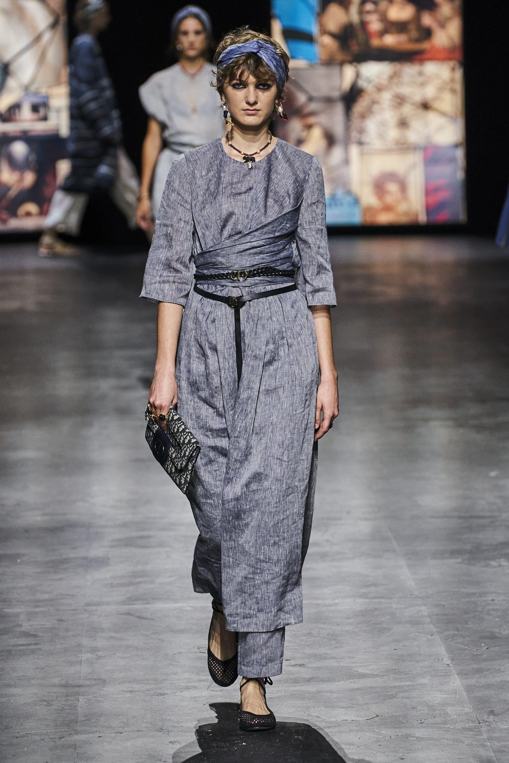 15. kép: Párizsi divathét - Christian Dior - 2021 tavasz-nyár - ready to wear