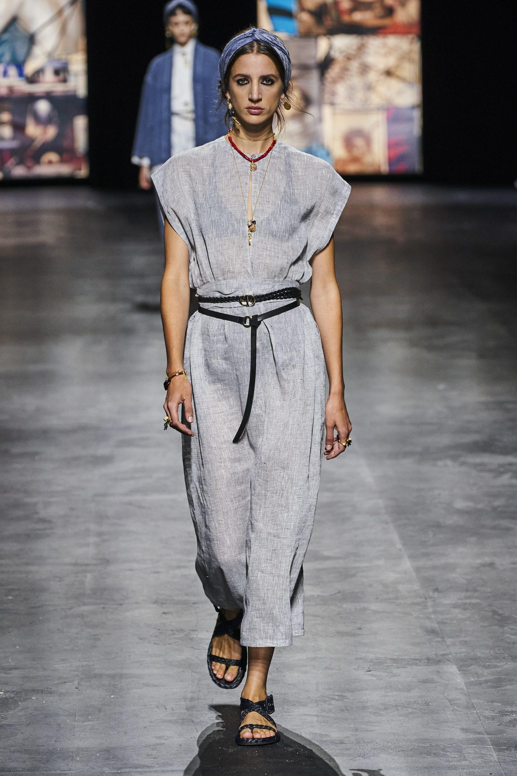 14. kép: Párizsi divathét - Christian Dior - 2021 tavasz-nyár - ready to wear