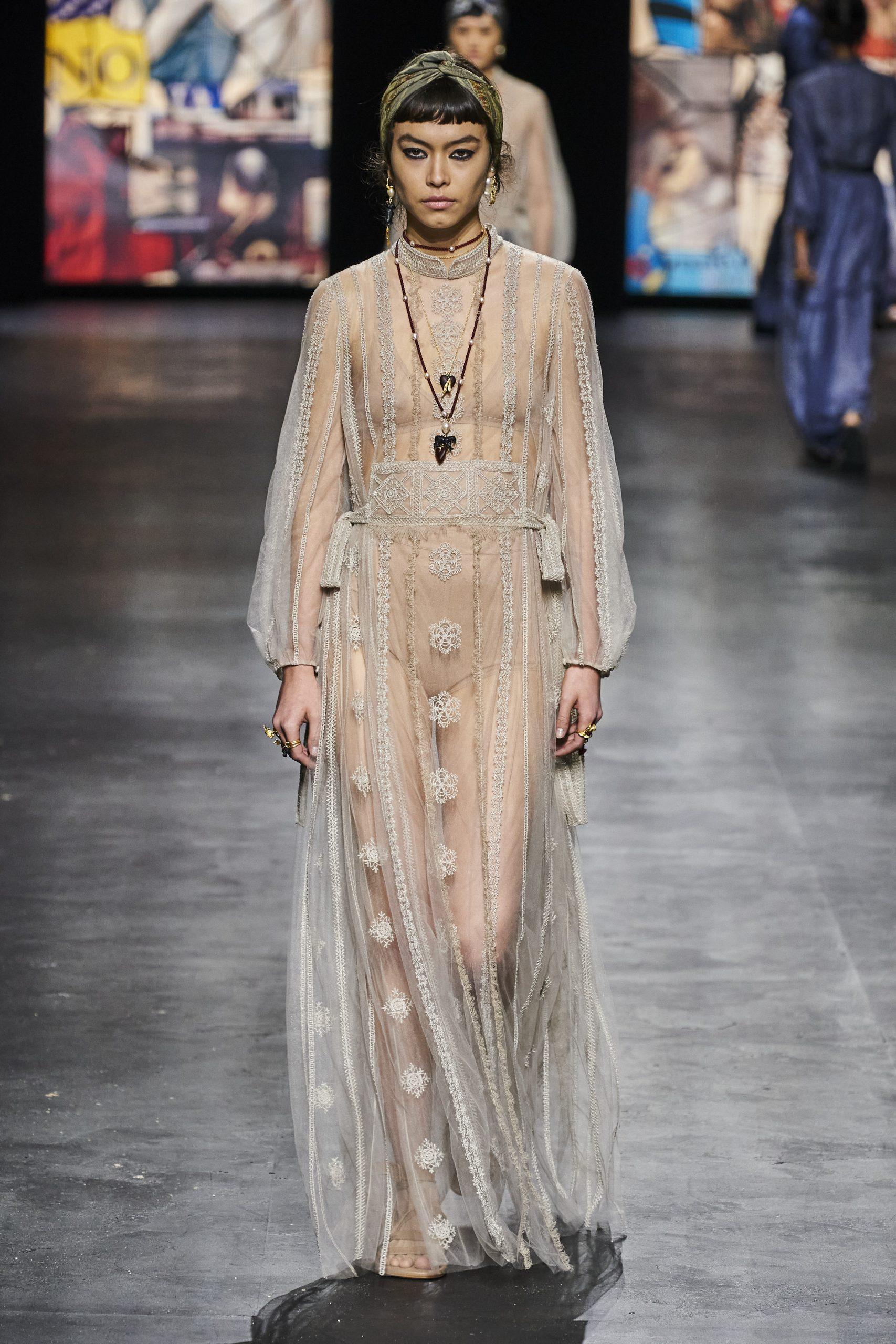 13. kép: Párizsi divathét - Christian Dior - 2021 tavasz-nyár - ready to wear