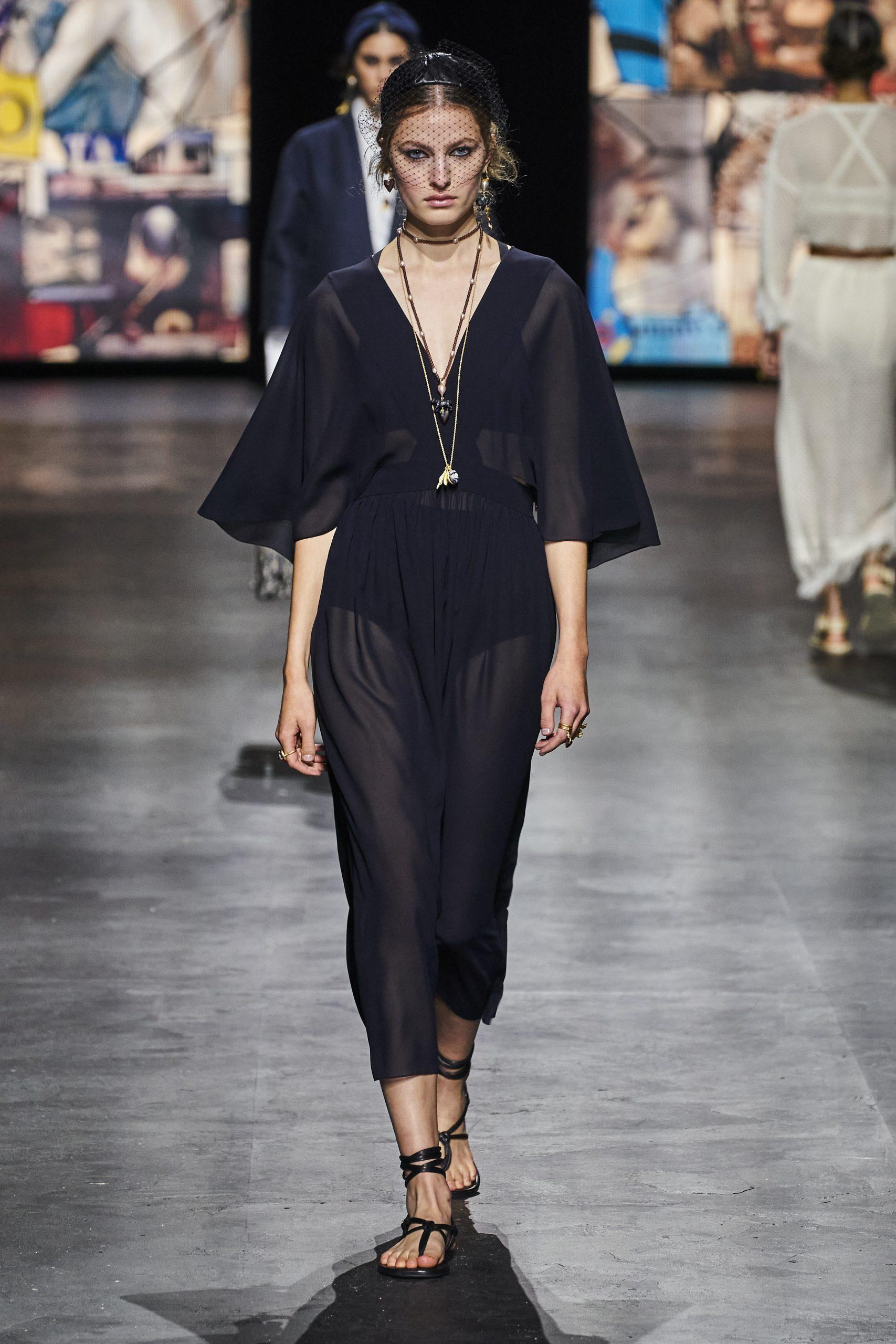 11. kép: Párizsi divathét - Christian Dior - 2021 tavasz-nyár - ready to wear