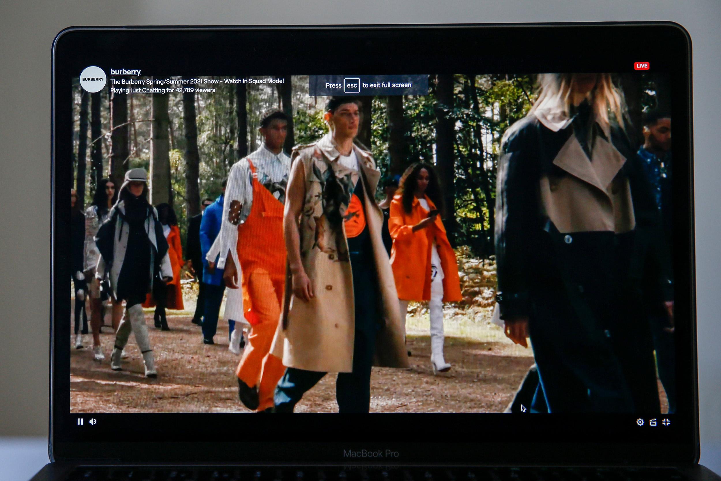 Burberry digitális divatbemutató