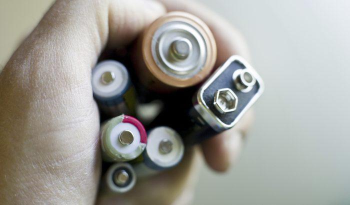 Egyszer használatos és tölthető elem: melyik a környezettudatosabb?