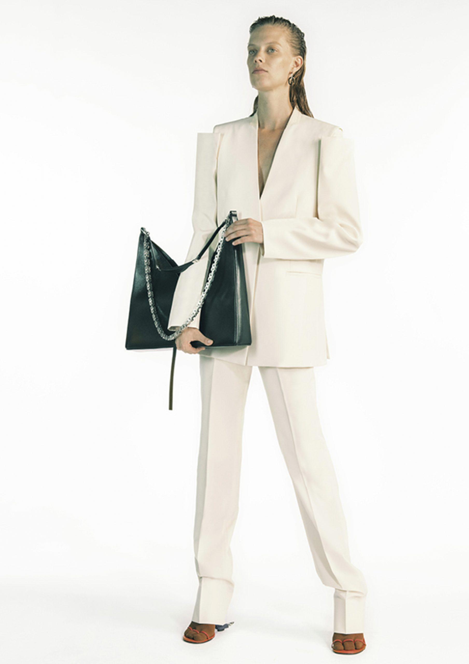 25. kép: Párizsi divathét - 2021 tavasz-nyár - ready to wear - Givenchy