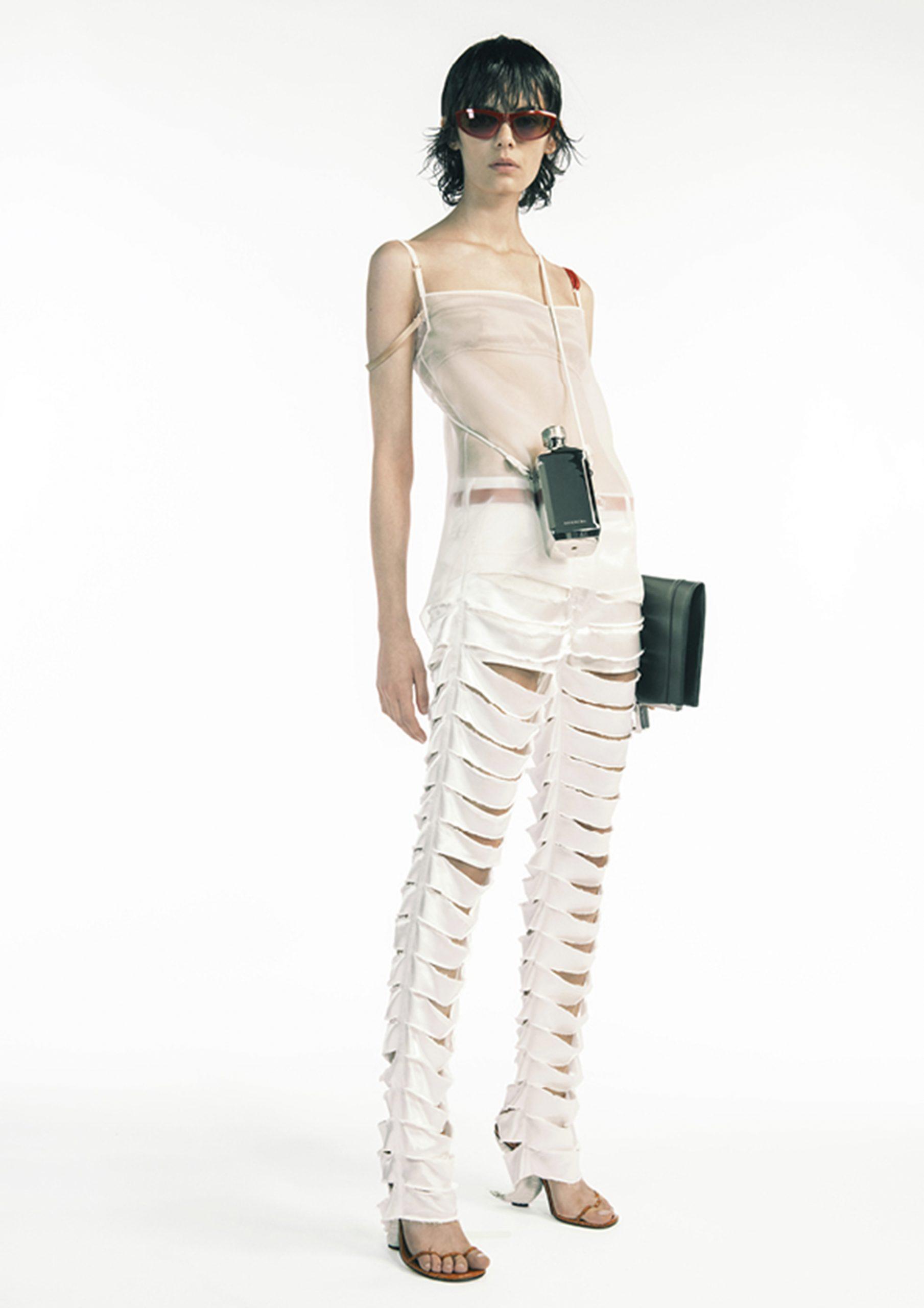 17. kép: Párizsi divathét - 2021 tavasz-nyár - ready to wear - Givenchy