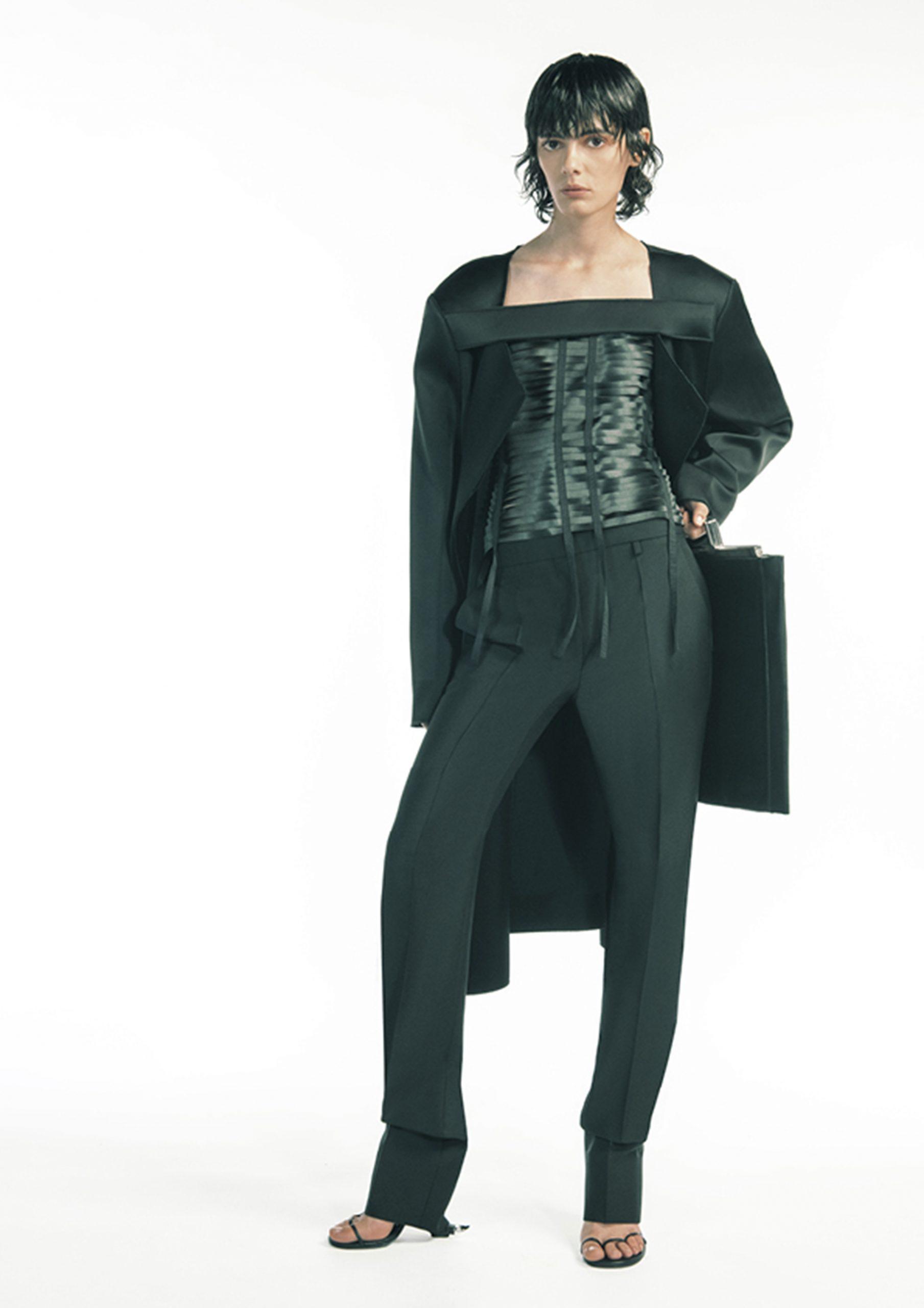 16. kép: Párizsi divathét - 2021 tavasz-nyár - ready to wear - Givenchy