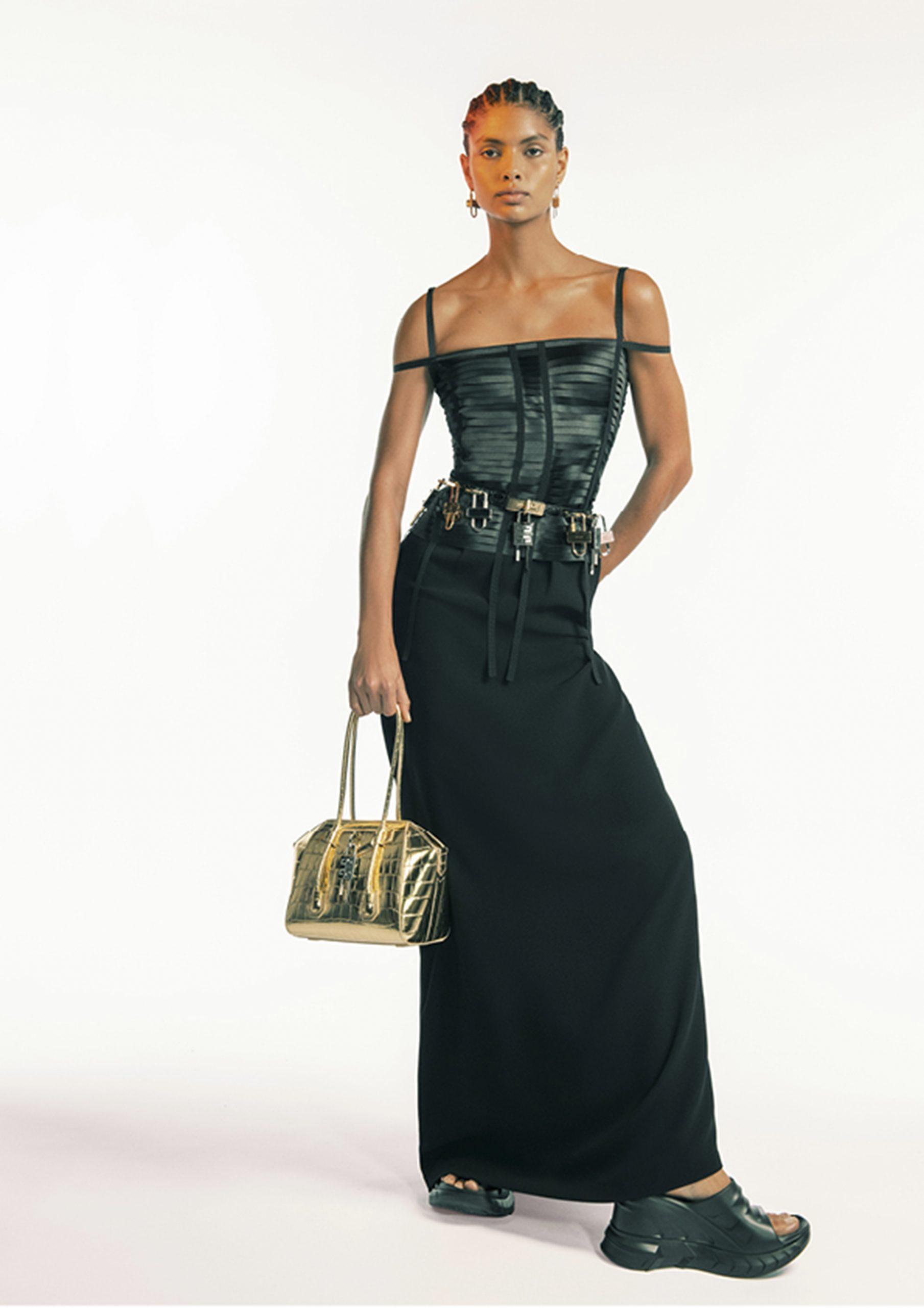 13. kép: Párizsi divathét - 2021 tavasz-nyár - ready to wear - Givenchy