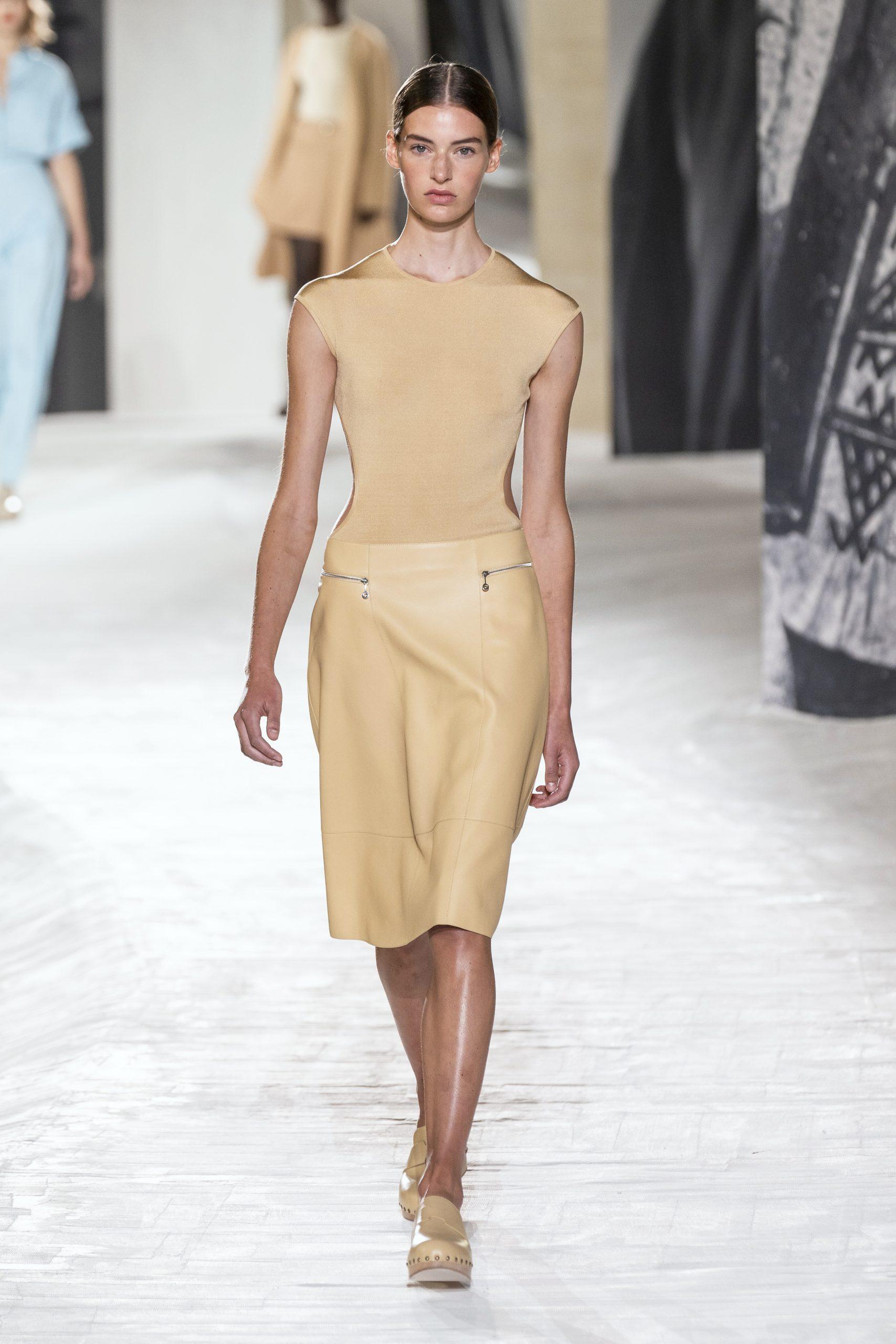 2. kép: Párizsi divathét - Hermès - 2021 tavasz-nyár - ready to wear