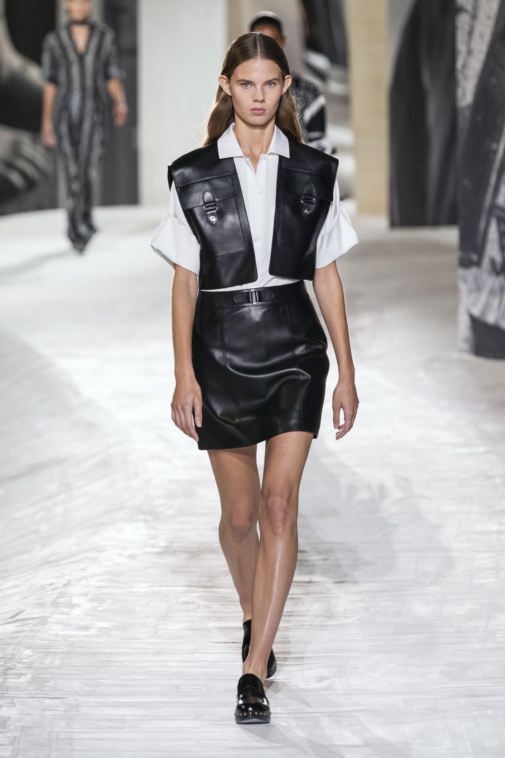 14. kép: Párizsi divathét - Hermès - 2021 tavasz-nyár - ready to wear