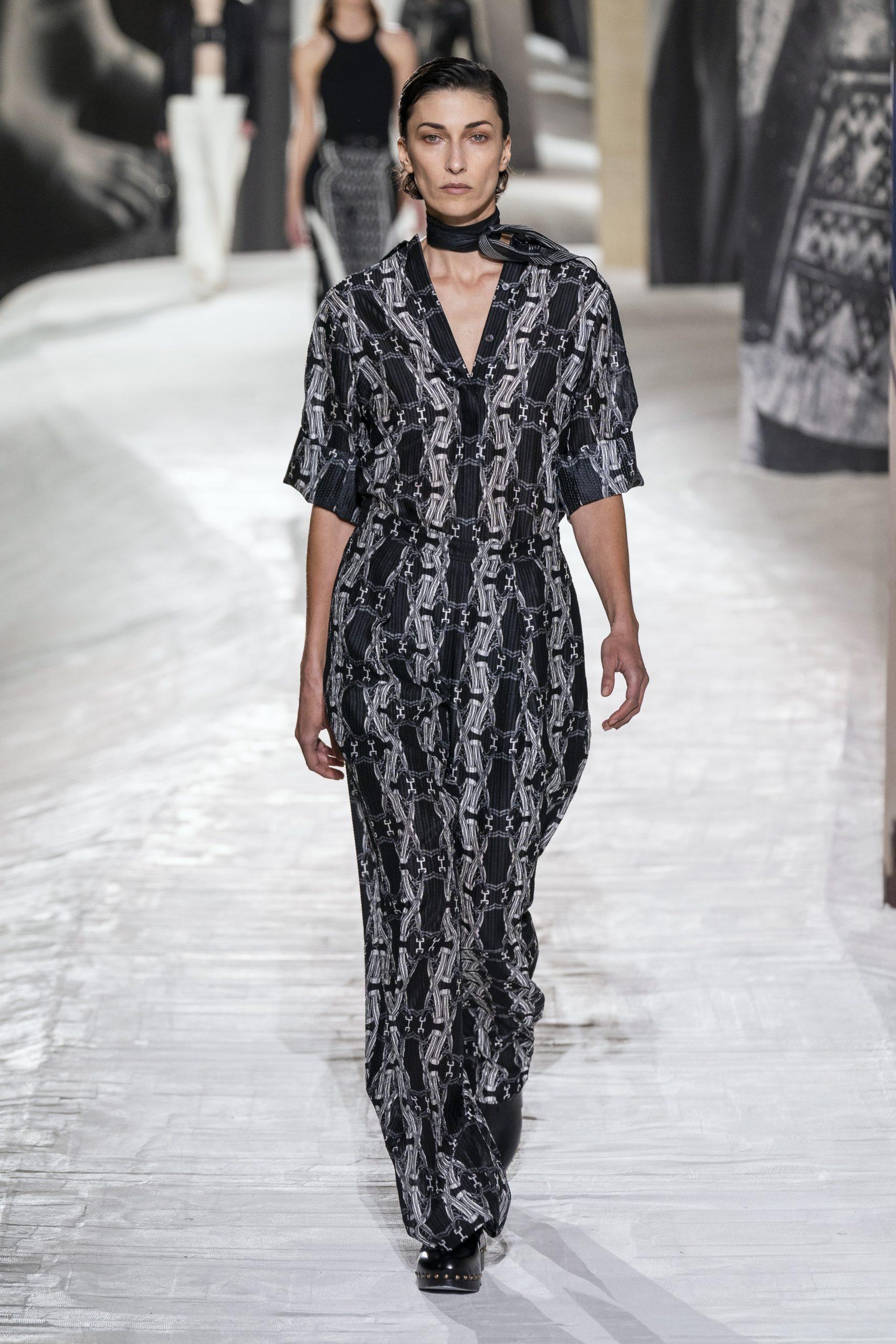 15. kép: Párizsi divathét - Hermès - 2021 tavasz-nyár - ready to wear