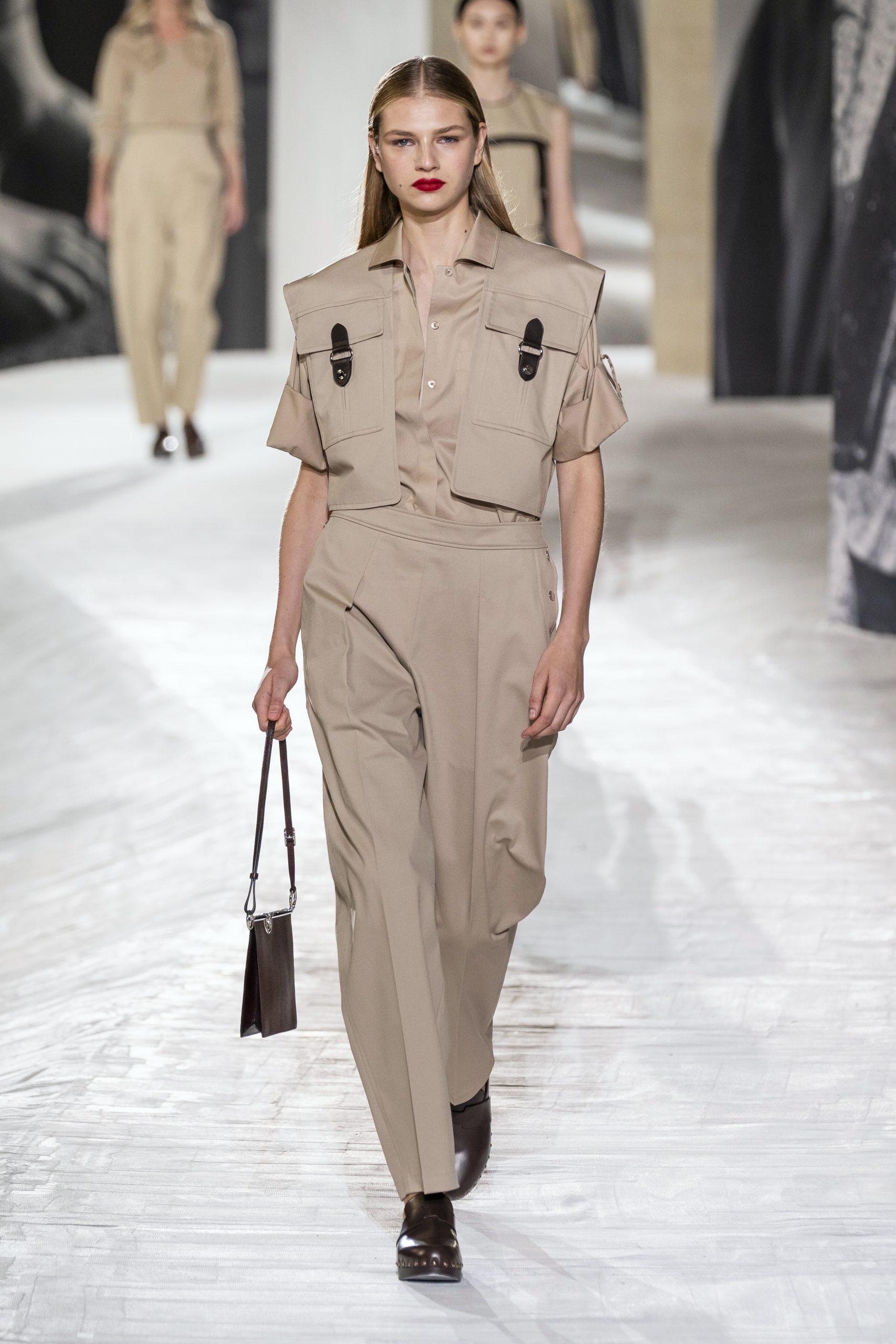 7. kép: Párizsi divathét - Hermès - 2021 tavasz-nyár - ready to wear