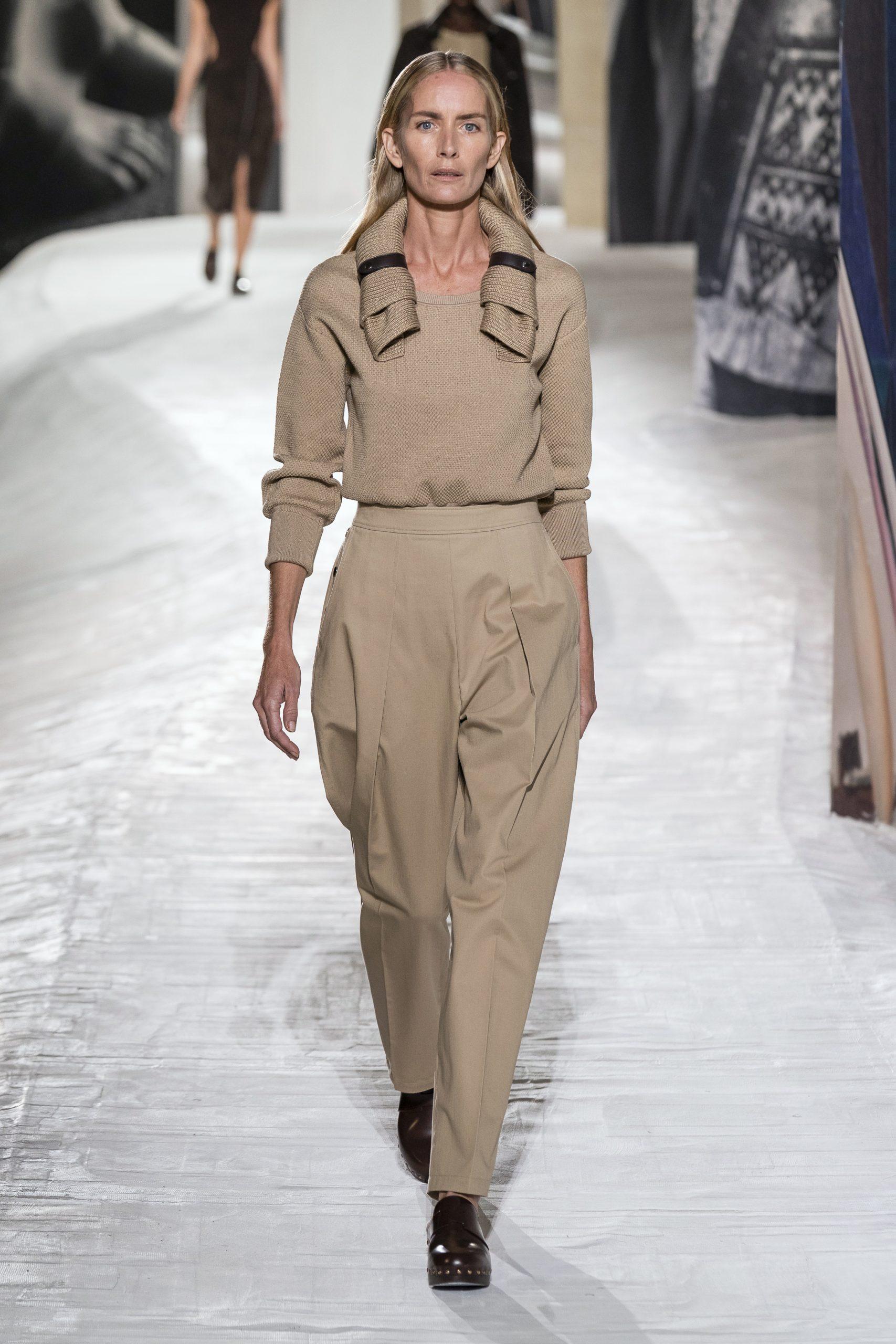 6. kép: Párizsi divathét - Hermès - 2021 tavasz-nyár - ready to wear