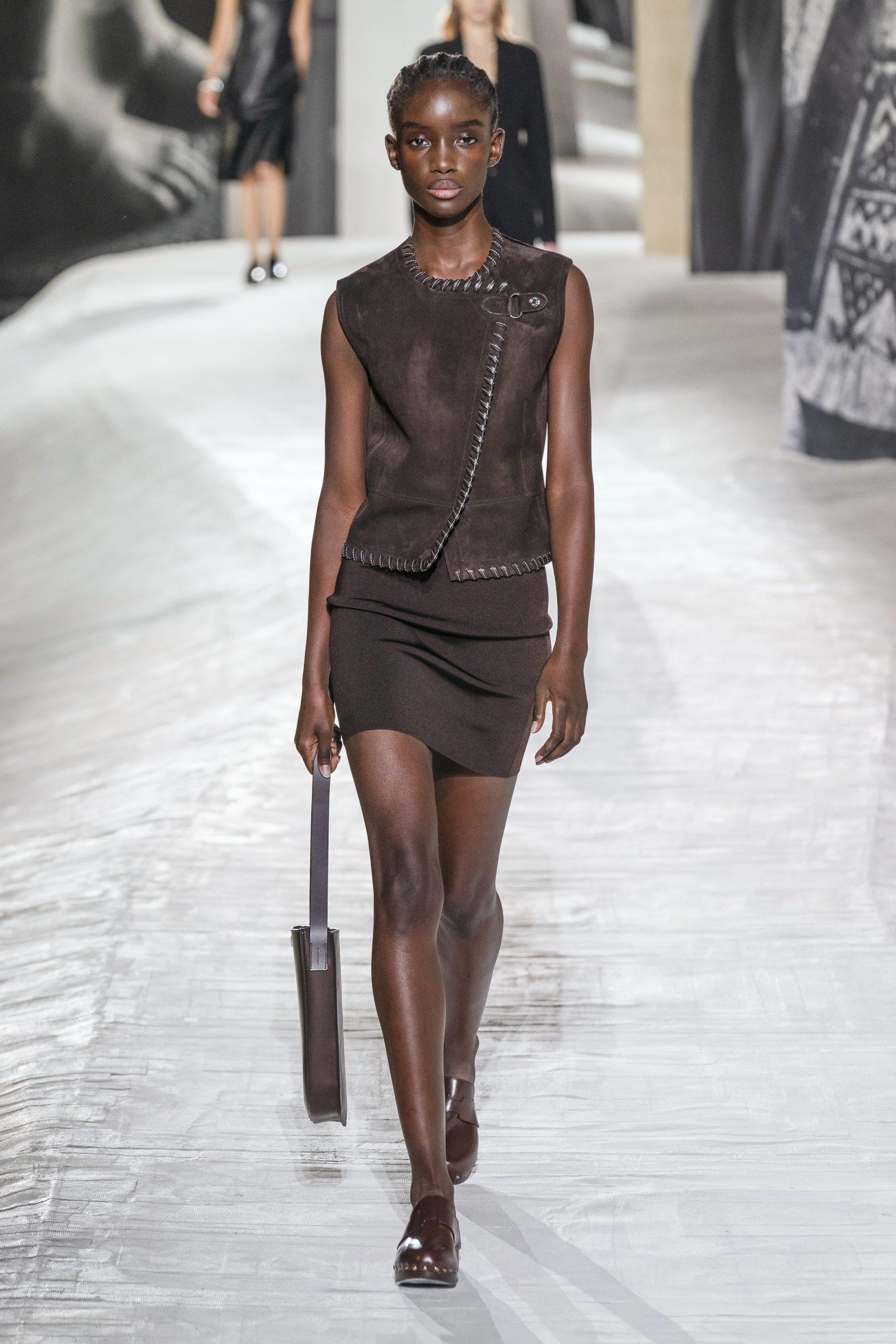 21. kép: Párizsi divathét - Hermès - 2021 tavasz-nyár - ready to wear