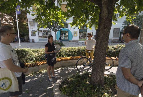 Egy városi séta, ami után nem fogjuk jó szívvel levenni a PET-palackot a polcról – interjú a Kislábnyommal Újbudán szervezőivel