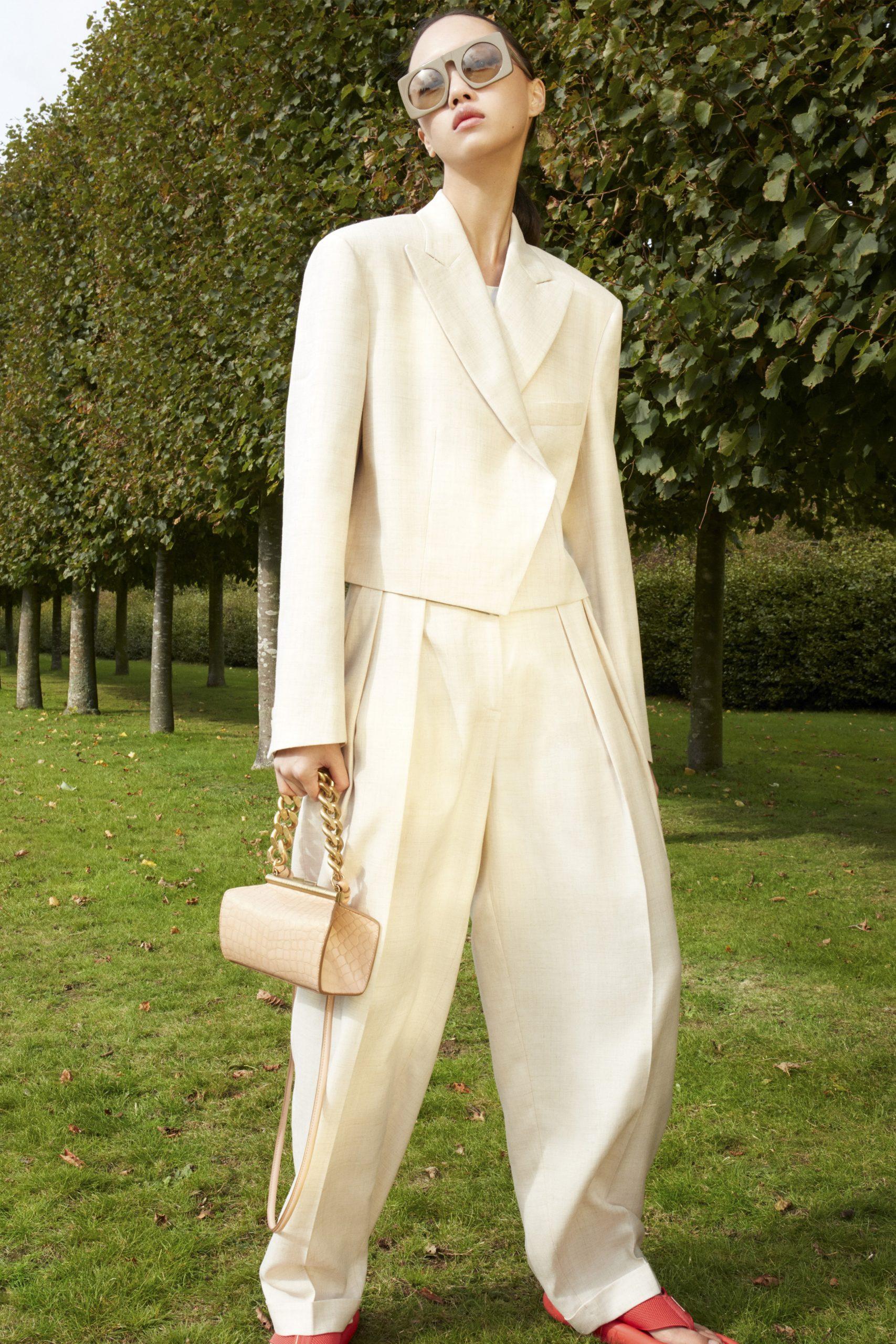 13. kép: Párizsi divathét - 2021-es tavaszi-nyári ready to wear kollekció - Stella McCartney