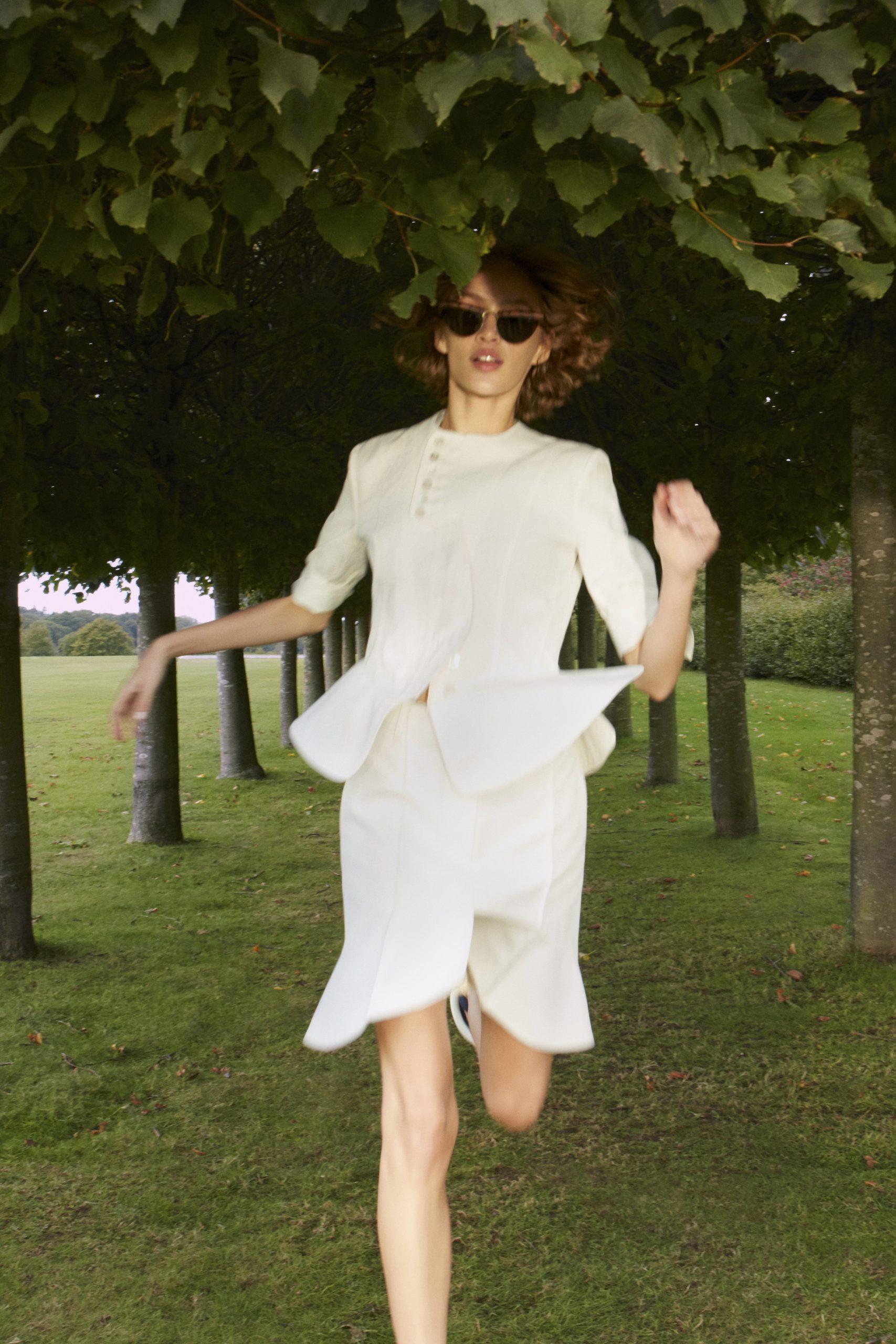 12. kép: Párizsi divathét - 2021-es tavaszi-nyári ready to wear kollekció - Stella McCartney