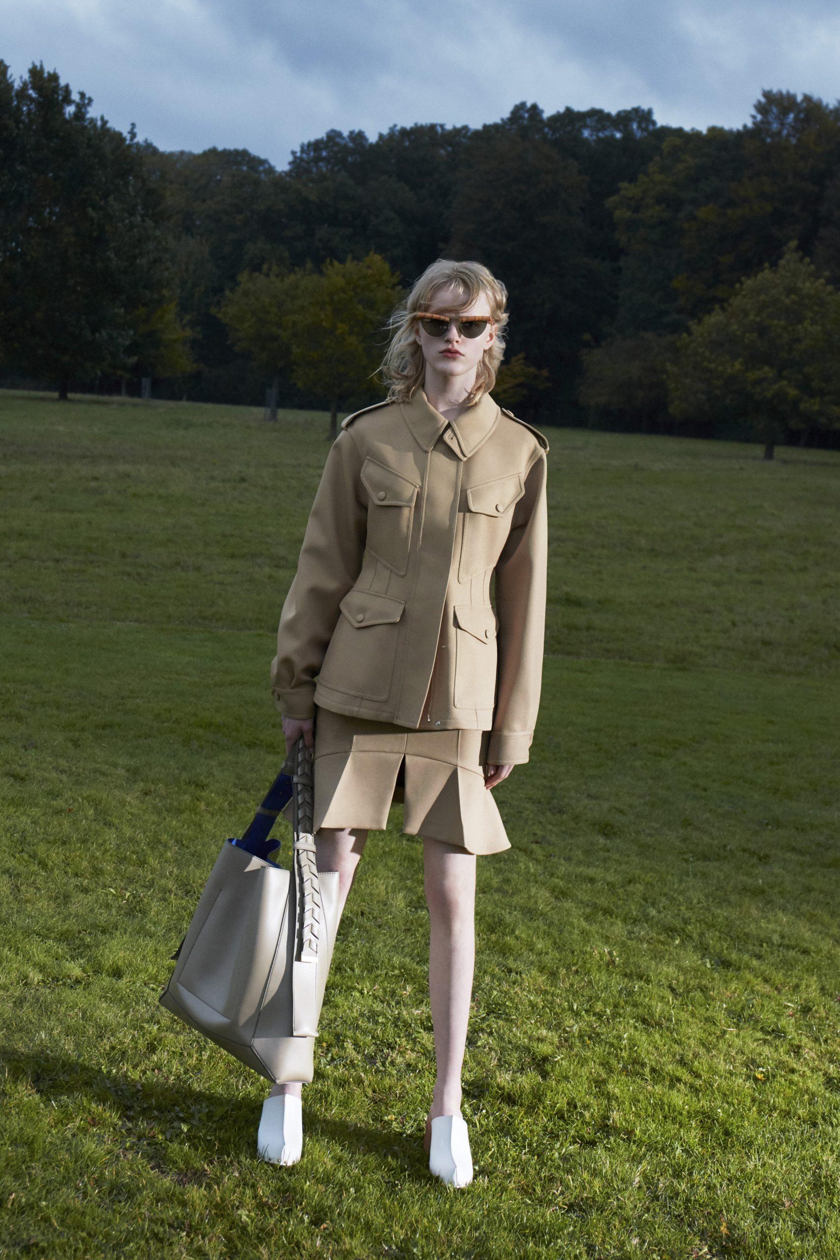 10. kép: Párizsi divathét - 2021-es tavaszi-nyári ready to wear kollekció - Stella McCartney