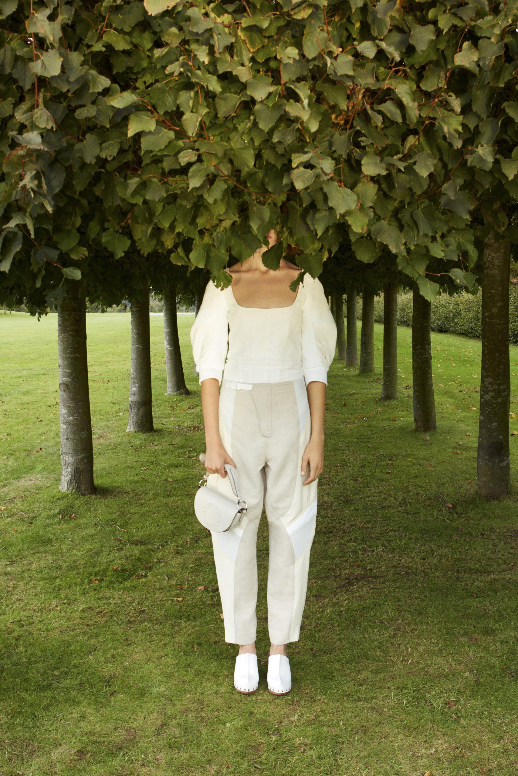9. kép: Párizsi divathét - 2021-es tavaszi-nyári ready to wear kollekció - Stella McCartney