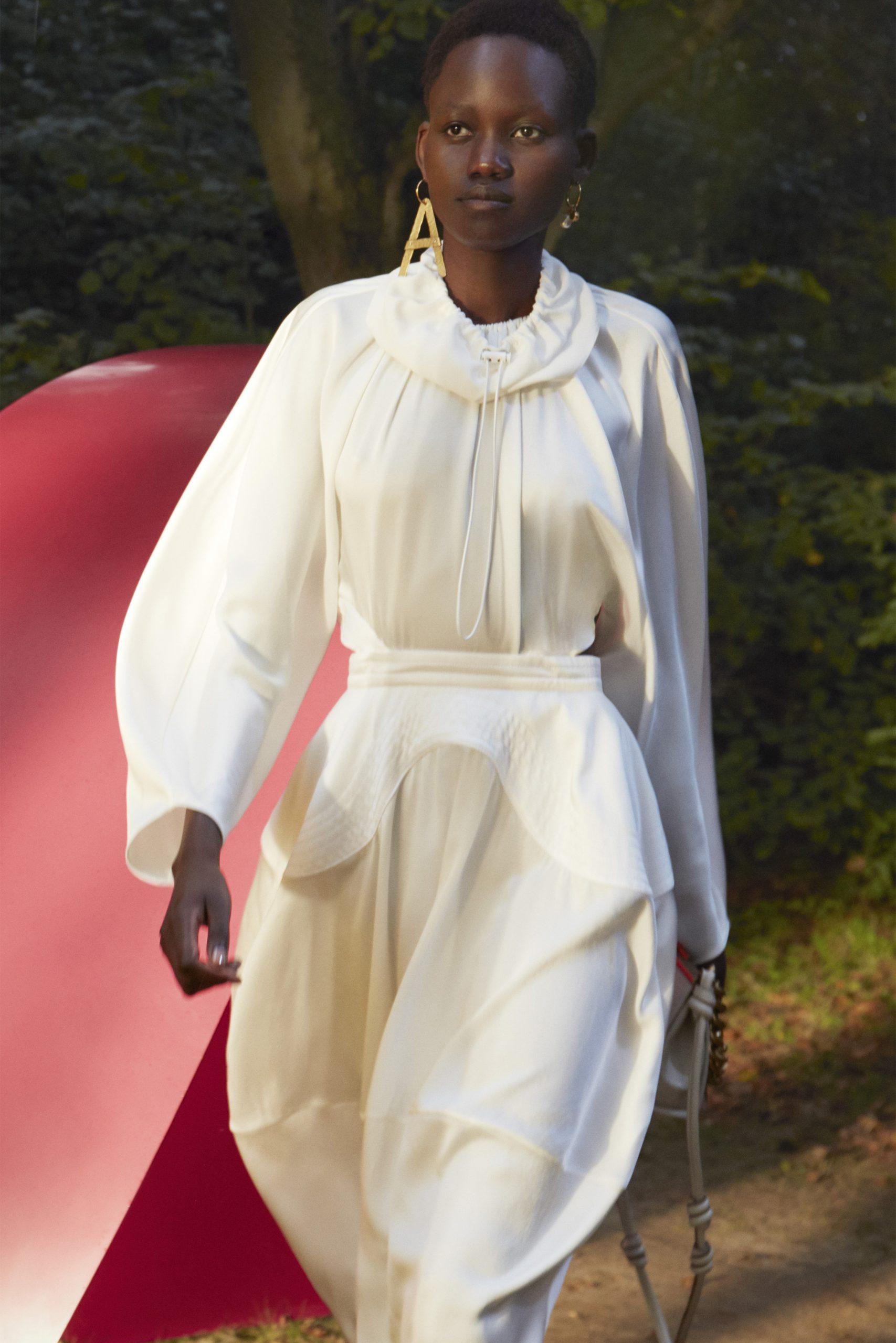 7. kép: Párizsi divathét - 2021-es tavaszi-nyári ready to wear kollekció - Stella McCartney