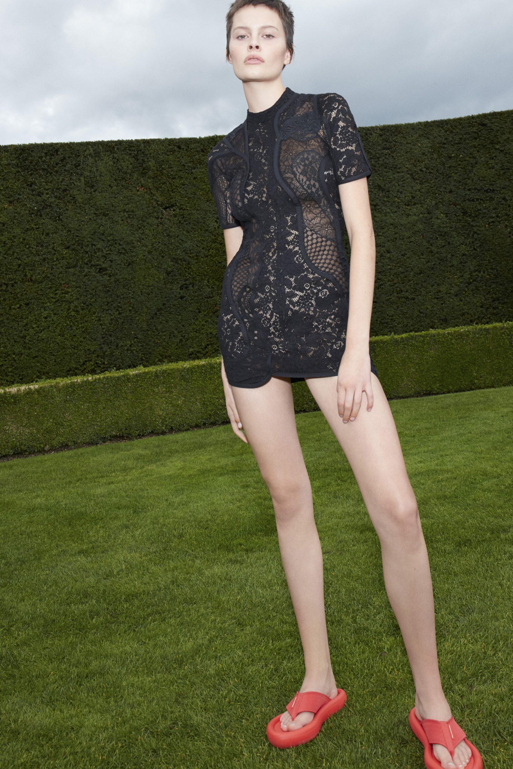 18. kép: Párizsi divathét - 2021-es tavaszi-nyári ready to wear kollekció - Stella McCartney