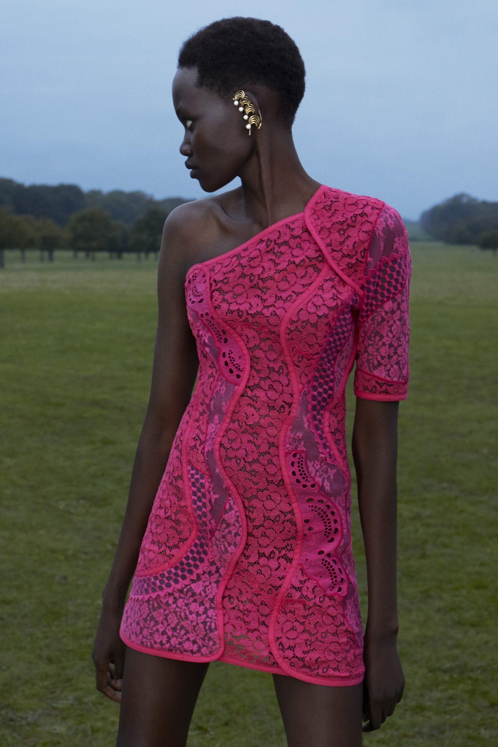 1. kép: Párizsi divathét - 2021-es tavaszi-nyári ready to wear kollekció - Stella McCartney