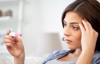 Negatív lett a terhességi tesztem! De miért késik még mindig a menzeszem? (x)