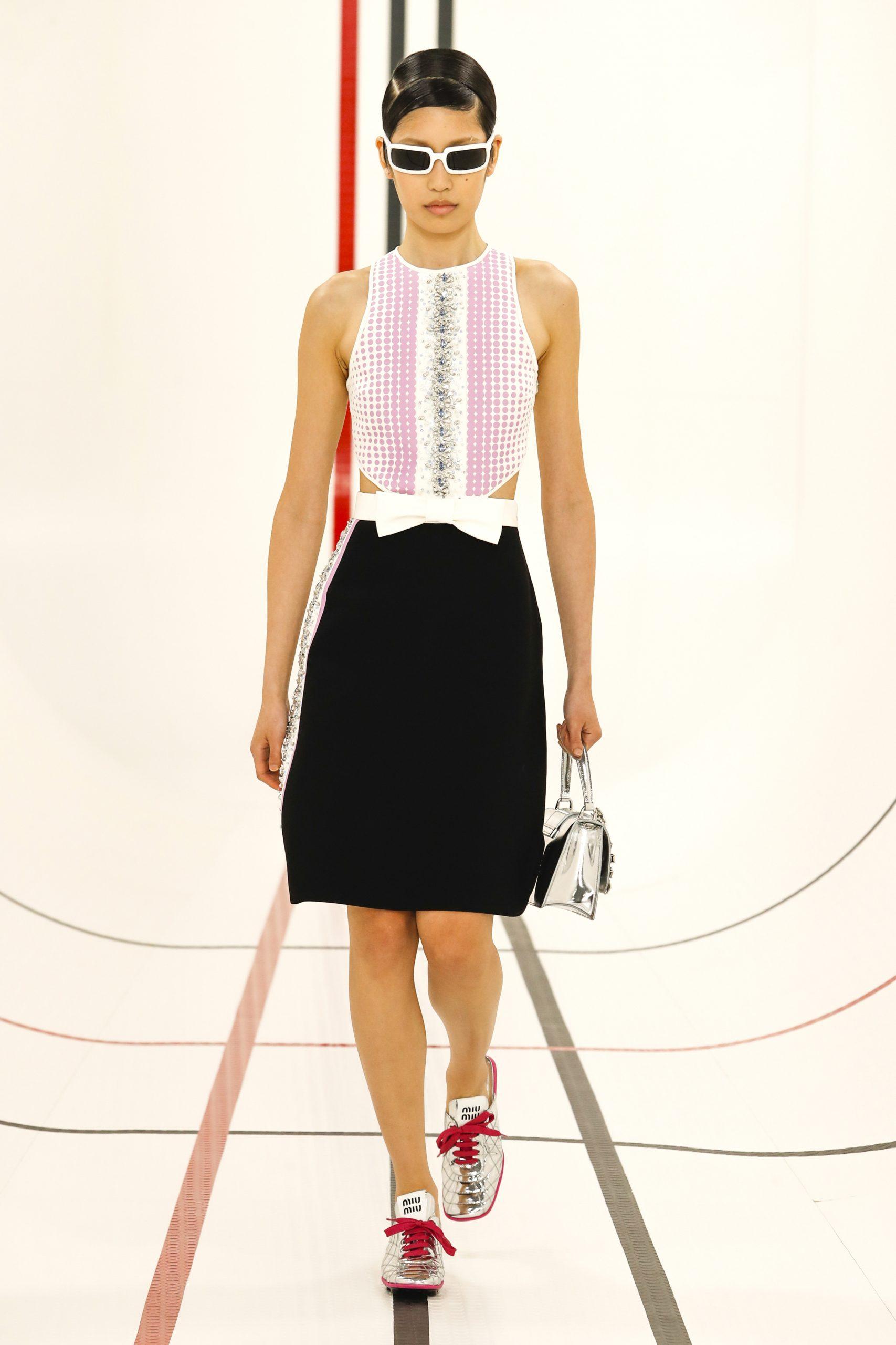 10. kép: Párizsi Divathét - Miu Miu - 2021 tavasz-nyár - ready to wear