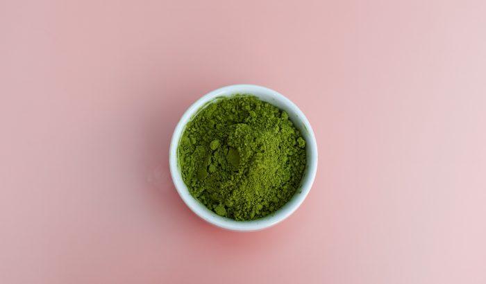 Hol a helye a zöld poroknak az életünkben és étrendünkben?