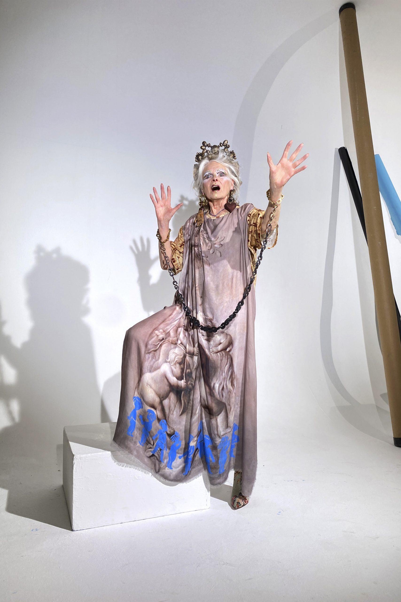 9. kép: Párizsi divathét - Andreas Kronthaler for Vivienne Westwood - 2021 tavasz-nyár - ready to wear