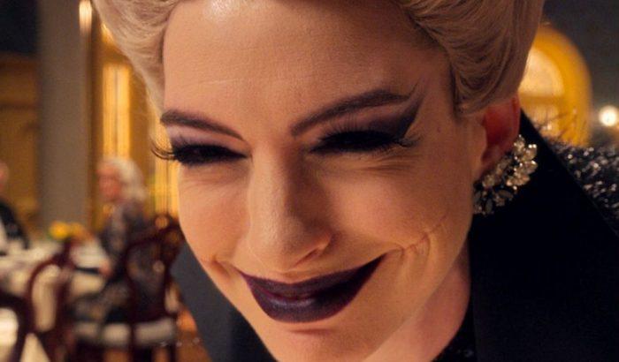 Anne Hathaway és a forgalmazó bocsánatot kér a végtaghiányosoktól