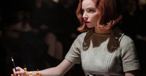 Netflix-sorozat miatt tér vissza a kifelé szárított frizura?