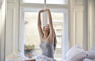 Ez a 6 nyújtás legyen az első dolgunk reggel – még az ágyban