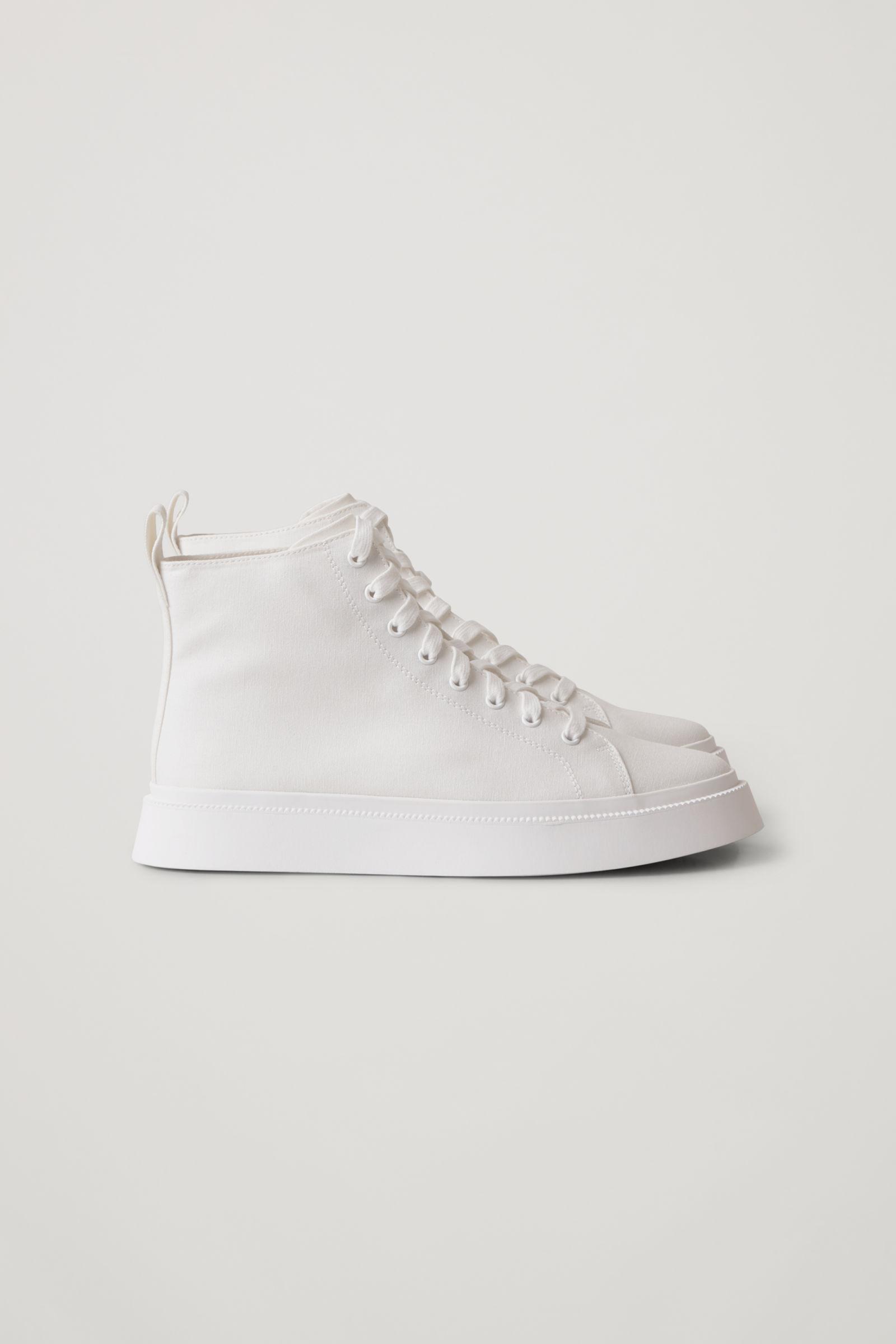 4. kép: COS sneaker