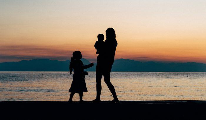 Egy egyedülálló és egy leszbikus anya vallomása az örökbefogadásról