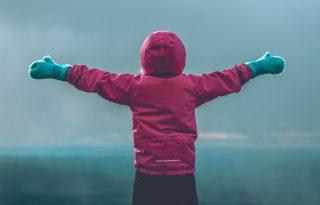 Nincs rossz idő, csak fázós szülő: hogyan játszóterezzünk hidegben vacogás nélkül?