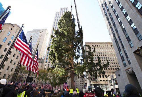 A Rockefeller-központ karácsonyfája 2020 metaforája