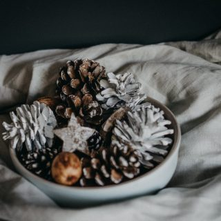 Készítsünk kézműves karácsonyi dekorációt svéd módra!