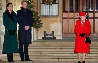Erzsébet királynő karácsonyfájánál nem látsz ma cukibbat