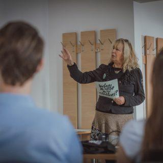 Hétköznapi hősök: Mányiné Dr. Walek Gabriella, a Fashion Revolution Hungary országkoordinátora és az NDL elnöke