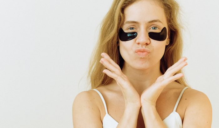 Egy szépségblogger bevált tippjei karikás szemek ellen