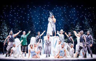 Téli mesevilágot varázsol az otthonokba a Recirquel ünnepi produkciója