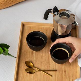 A trükk, amivel pillanatok alatt karácsonyi kávét varázsolhatsz kotyogós kávéfőzővel