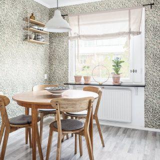 Kiállításon kukkanthatunk be valódi svéd otthonokba